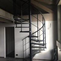 escalier acier hélicoïde