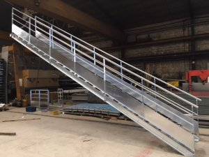 escalier acier galvanisé