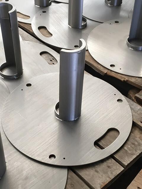 fabrication de 150 poteaux inox